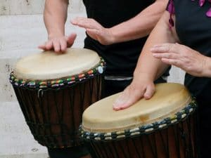 les percussions comme outil d'expression en sophrologie